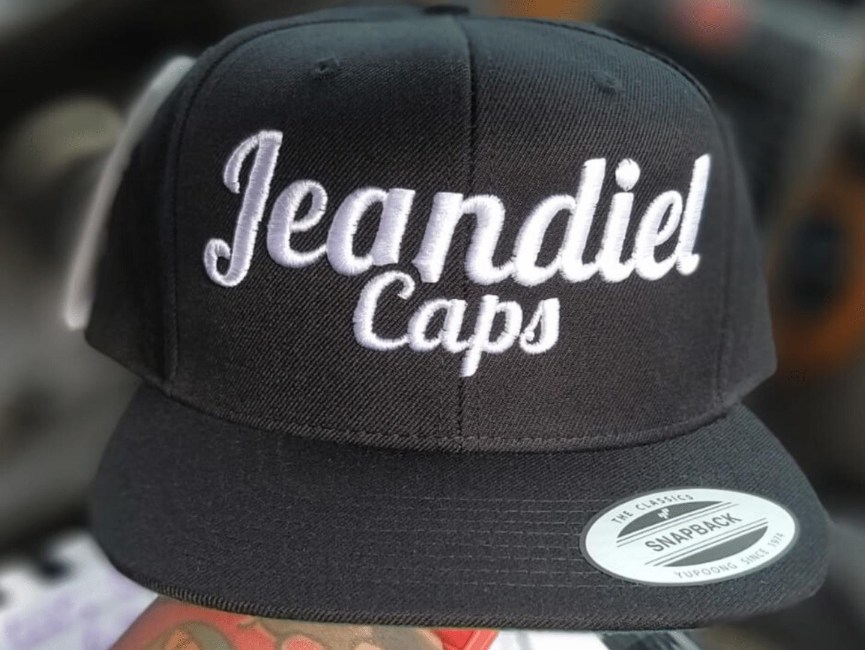 Conoce el proyecto Jeandiel Caps. Su Gorra Snapback The Classics perteneciente a nuestro catálogo.