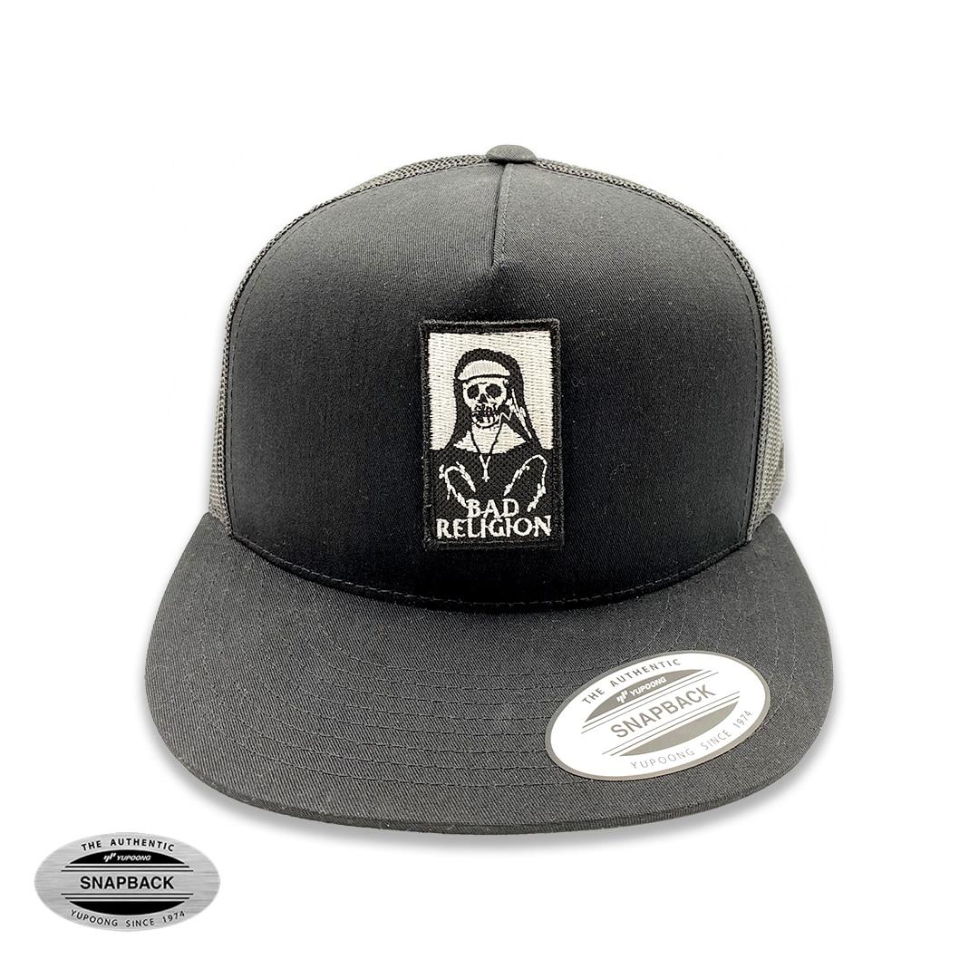 Bad Religion trucker flexfit, gorro de la línea The classics, de color negro con parche bordado frontal y malla posterior